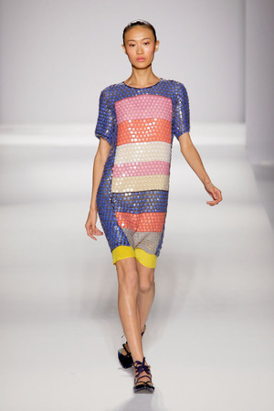 Показы мод Sportmax Весна-лето 2011 | Подиум на ELLE - Подиум - фото 2567