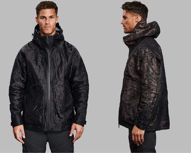 Британские дизайнеры создали модные металлические куртки, которые могут защитить от коронавируса (фото 3)