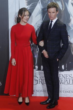 Эдди Редмэйн с женой на премьере в Мадриде (фото 1.2)
