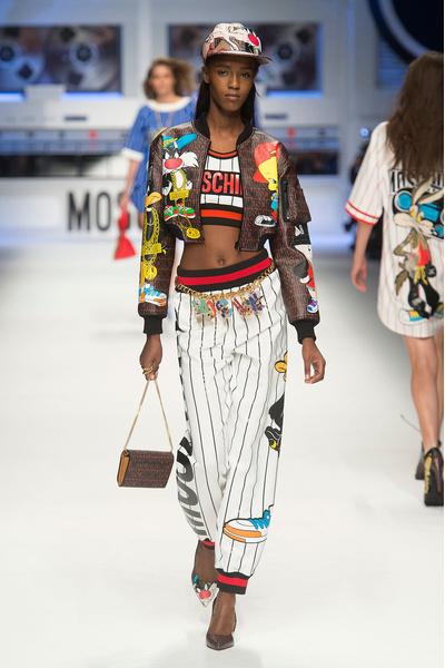 Показ Moschino на Неделе моды в Милане | галерея [2] фото [2]