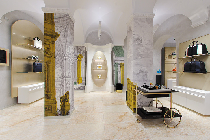 Delvaux opens its first boutique in Rome (фото 1)