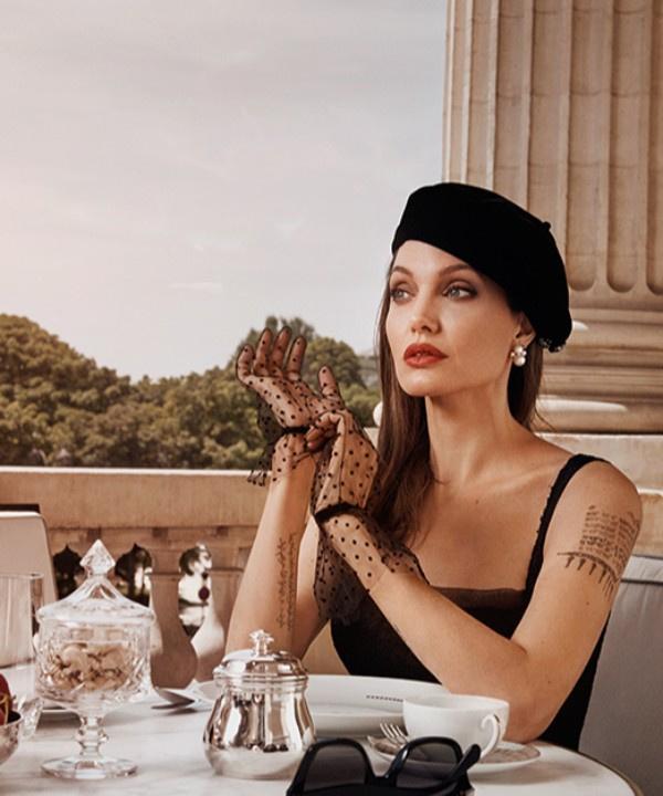 «Невозможно стать личностью, не совершая ошибок». Откровенное интервью с Анджелиной Джоли