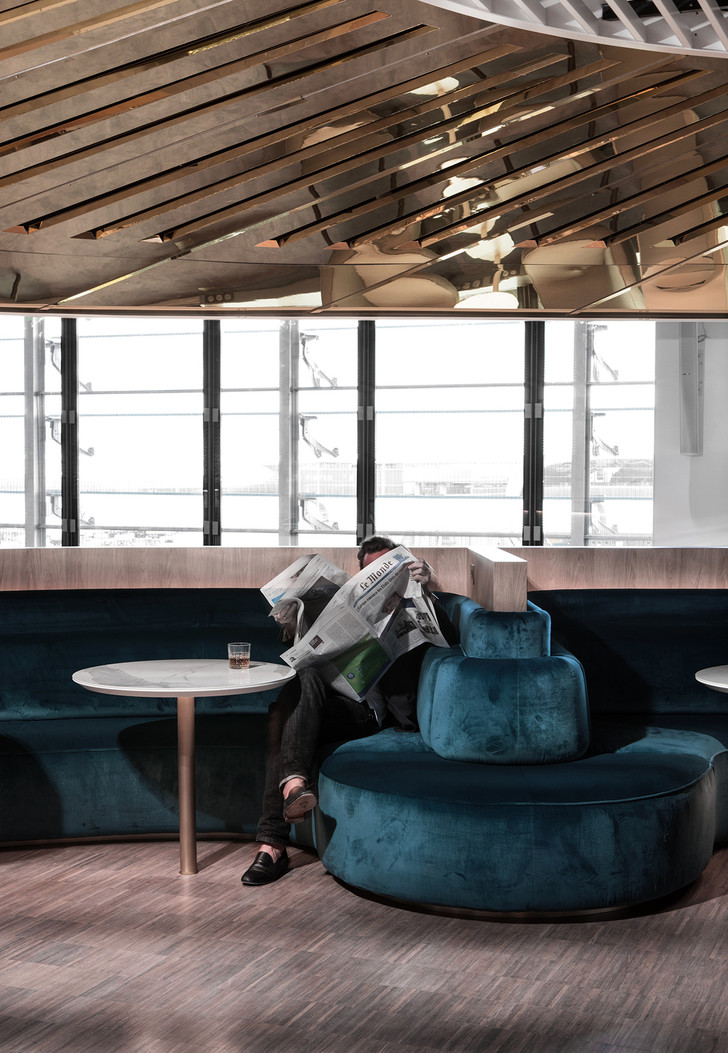 Бизнес-лаундж по проекту Матье Леаннера в Шарль-де-Голле (фото 6)
