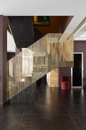 Дом 270 м2 в Саратове в стиле глэм-шик фото [16]