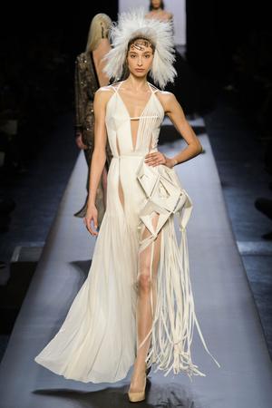 Показ Jean Paul Gaultier коллекции сезона Весна-лето 2015 года Haute couture - www.elle.ru - Подиум - фото 593209