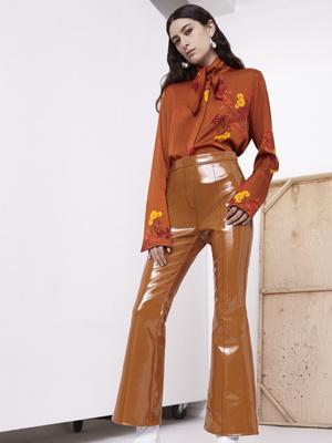7 новых способов носить брюки на высокой талии (фото 2)