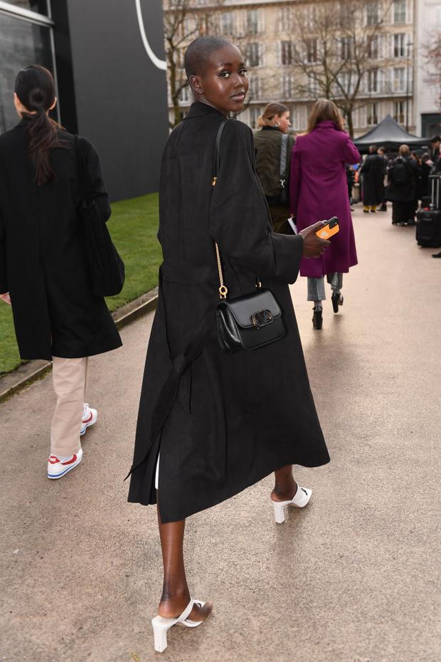 Пуховик или пальто? Что носят (русские) супермодели между показами в Париже (фото 4)