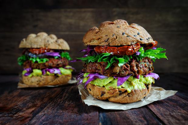 Вкус сезона: вегетарианские версии известных мясных блюд (фото 6)
