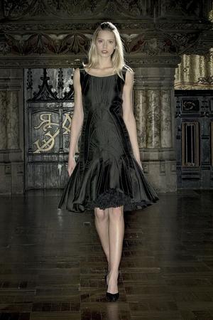 Показ Anne Valerie Hash коллекции сезона Весна-лето 2009 года Haute couture - www.elle.ru - Подиум - фото 86220