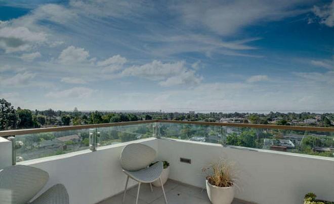 Новый дом Тайры Бэнкс с видом на океан (галерея 2, фото 0)