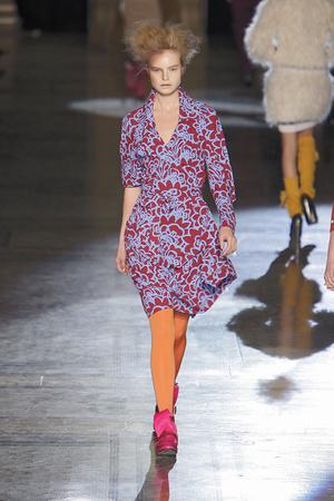 Показ Vivienne Westwood Red Label коллекции сезона Осень-зима 2010-2011 года prêt-à-porter - www.elle.ru - Подиум - фото 149245
