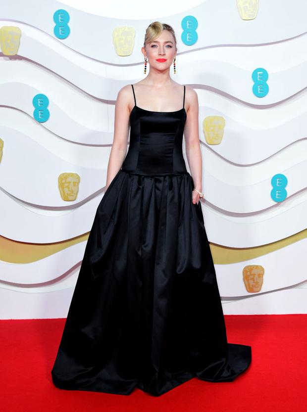 Сирша Ронан в шелковом платье Gucci на BAFTA 2020 (фото 1)