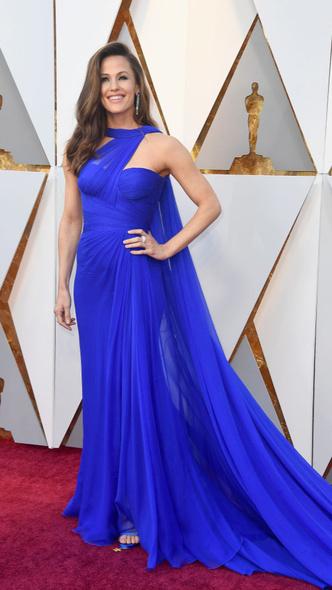 Самые яркие платья церемонии «Оскар — 2018» (фото 1.2)