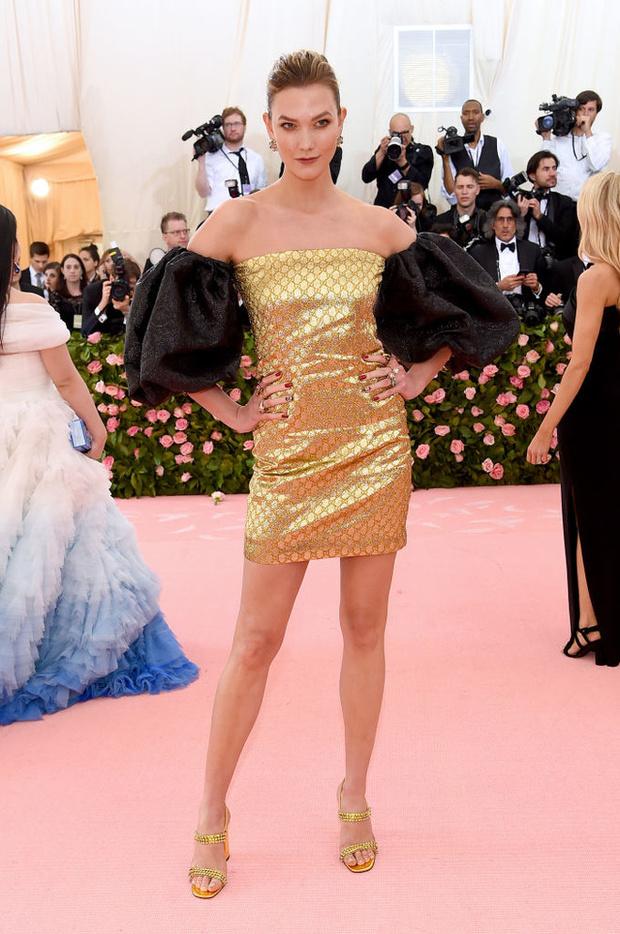 Никаких «голых» платьев, только роскошь: все супермодели на Met Gala (фото 17)