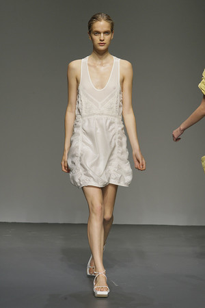 Показ Calvin Klein коллекции сезона Весна-лето 2010 года prêt-à-porter - www.elle.ru - Подиум - фото 111168