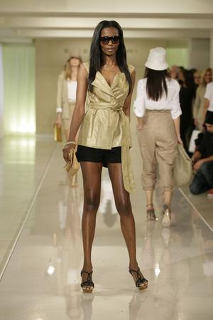 Весна-лето 2010 | Модные показы | Подиум ELLE - Подиум - фото 3103