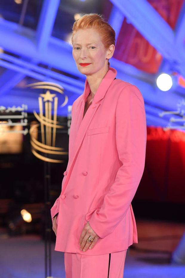 Больше не блондинка: Тильда Суинтон сменила легендарную прическу (фото 1)