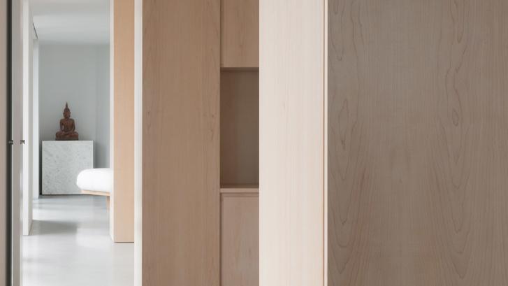 Минималистские апартаменты по дизайну Джона Поусона (фото 10)