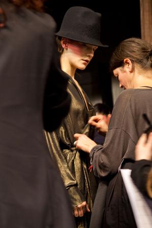 Показ A.F. Vandevorst коллекции сезона Осень-зима 2012-2013 года prêt-à-porter - www.elle.ru - Подиум - фото 376594