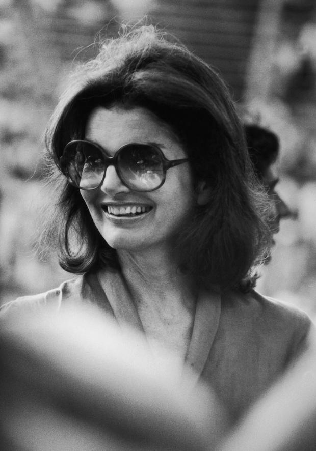 Солнцезащиные очки Джеки Кеннеди в оправе oversize