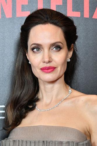 Анджелина Джоли озвучит новый диснеевский мультфильм фото [3]