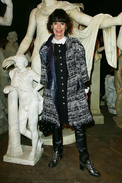Внимание на экран: показ коллекции Chanel Métiers d'Art в Риме | галерея [1] фото [1]