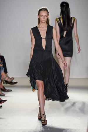 Показы мод Barbara Bui Весна-лето 2012 | Подиум на ELLE - Подиум - фото 1832