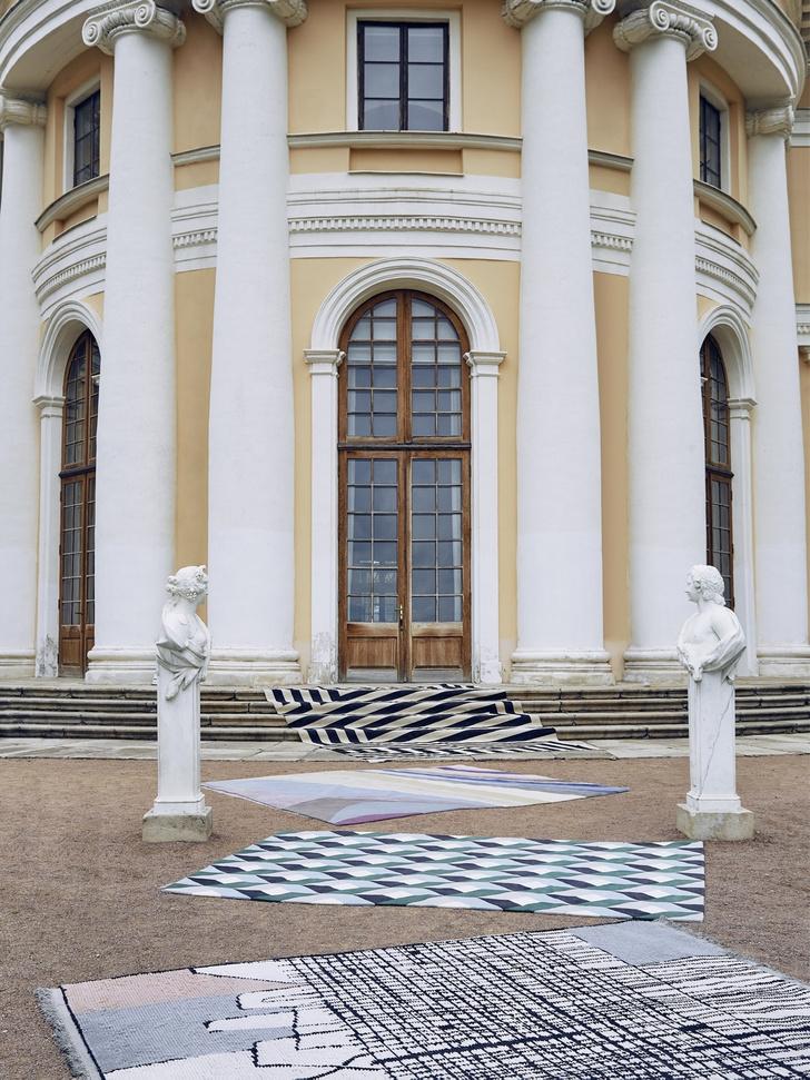 Дизайнерские ковры в классическом интерьере (фото 4)