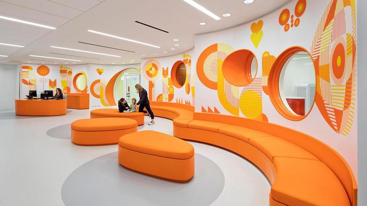 Яркая больница в Чикаго лечит дизайном (фото 0)