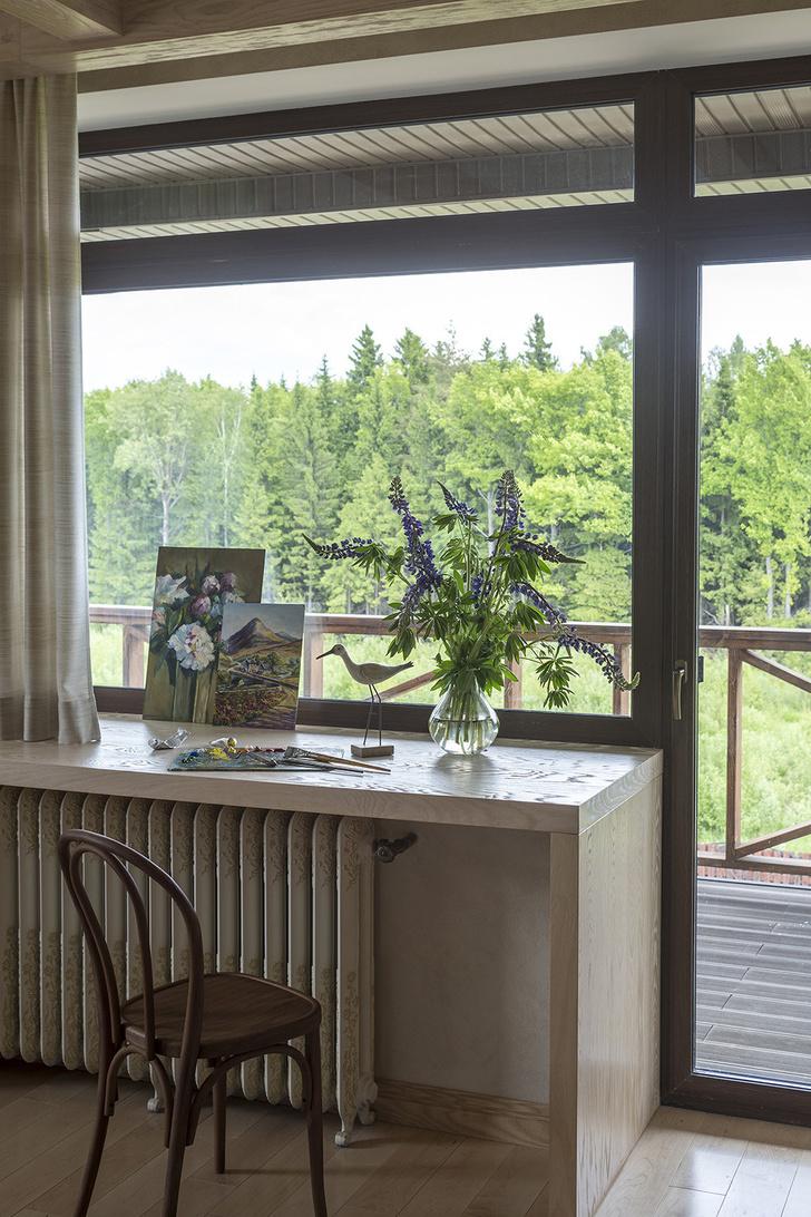 Дом в Подмосковье: интерьер с яркими акцентами фото [50]