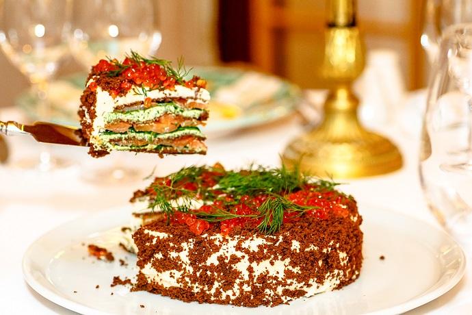 Лососевый торт с сыром