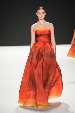 Показы мод Naeem Khan Весна-лето 2013 | Подиум на ELLE - Подиум - фото 1235