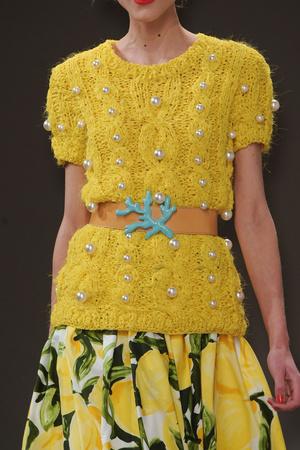 Показ Moschino Cheap & Chic коллекции сезона Весна-лето 2011 года Prêt-à-porter - www.elle.ru - Подиум - фото 184256