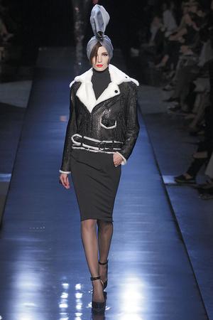 Показ Jean Paul Gaultier коллекции сезона Осень-зима 2010-2011 года haute couture - www.elle.ru - Подиум - фото 168536