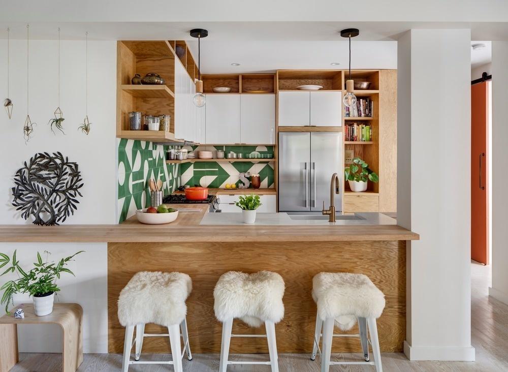 Открытые полки на кухне: 20 примеров (галерея 1, фото 3)