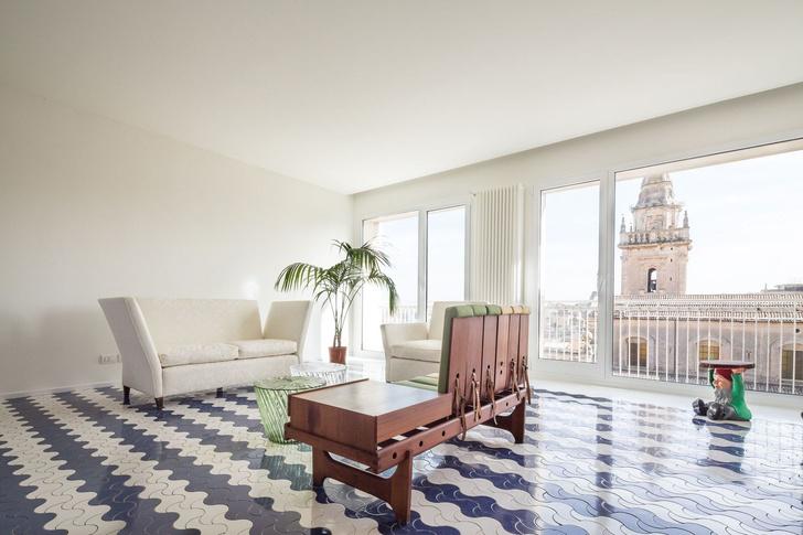 Белая квартира с винтажной плиткой на Сицилии (фото 4)