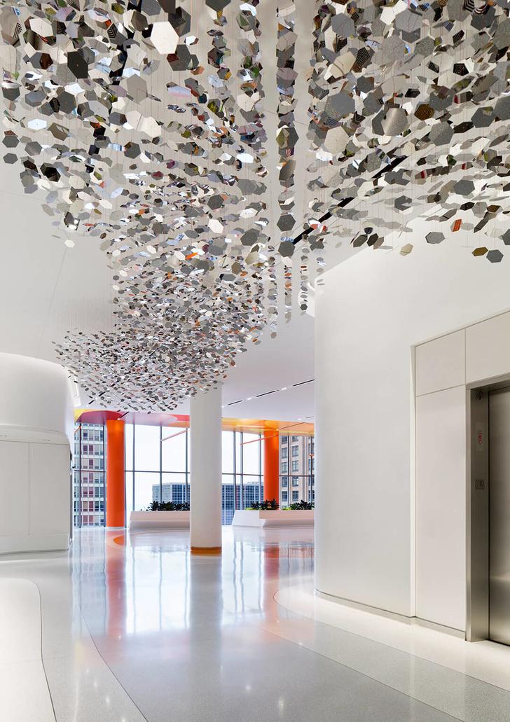 Яркая больница в Чикаго лечит дизайном (фото 13)