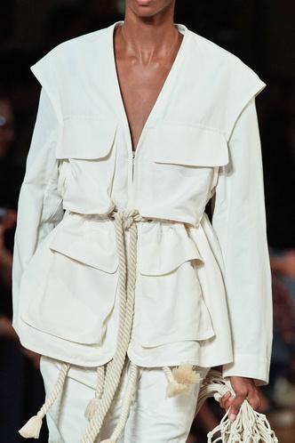 Сафари-куртка — идеальная вещь для весенних прогулок. Вот 15 вариантов (фото 3.2)
