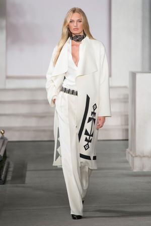 Показ Ralph Lauren коллекции сезона Весна-лето  2017 года Prêt-à-porter - www.elle.ru - Подиум - фото 609141