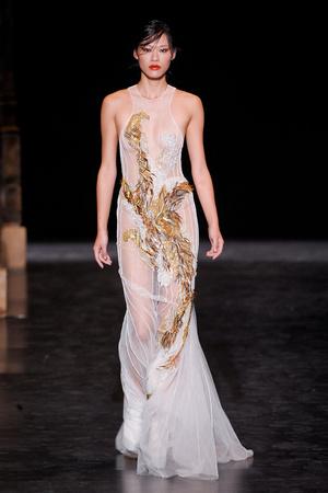 Показ Basil Soda коллекции сезона Осень-зима 2012-2013 года haute couture - www.elle.ru - Подиум - фото 404056