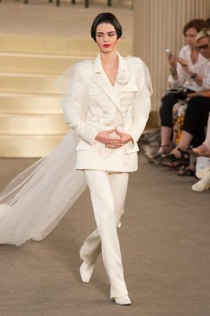 Показ Chanel коллекции сезона Осень-зима 2015-2016 года Haute couture - www.elle.ru - Подиум - фото 597092