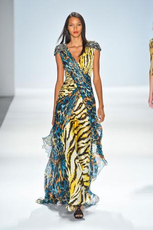 Показы мод Carlos Miele Весна-лето 2013 | Подиум на ELLE - Подиум - фото 1258