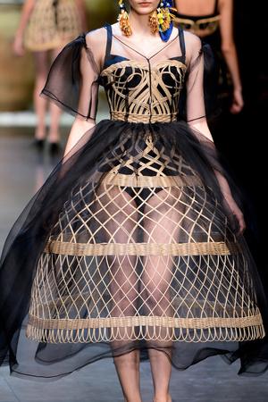 Показ Dolce & Gabbana коллекции сезона Весна-лето 2013 года prêt-à-porter - www.elle.ru - Подиум - фото 446710