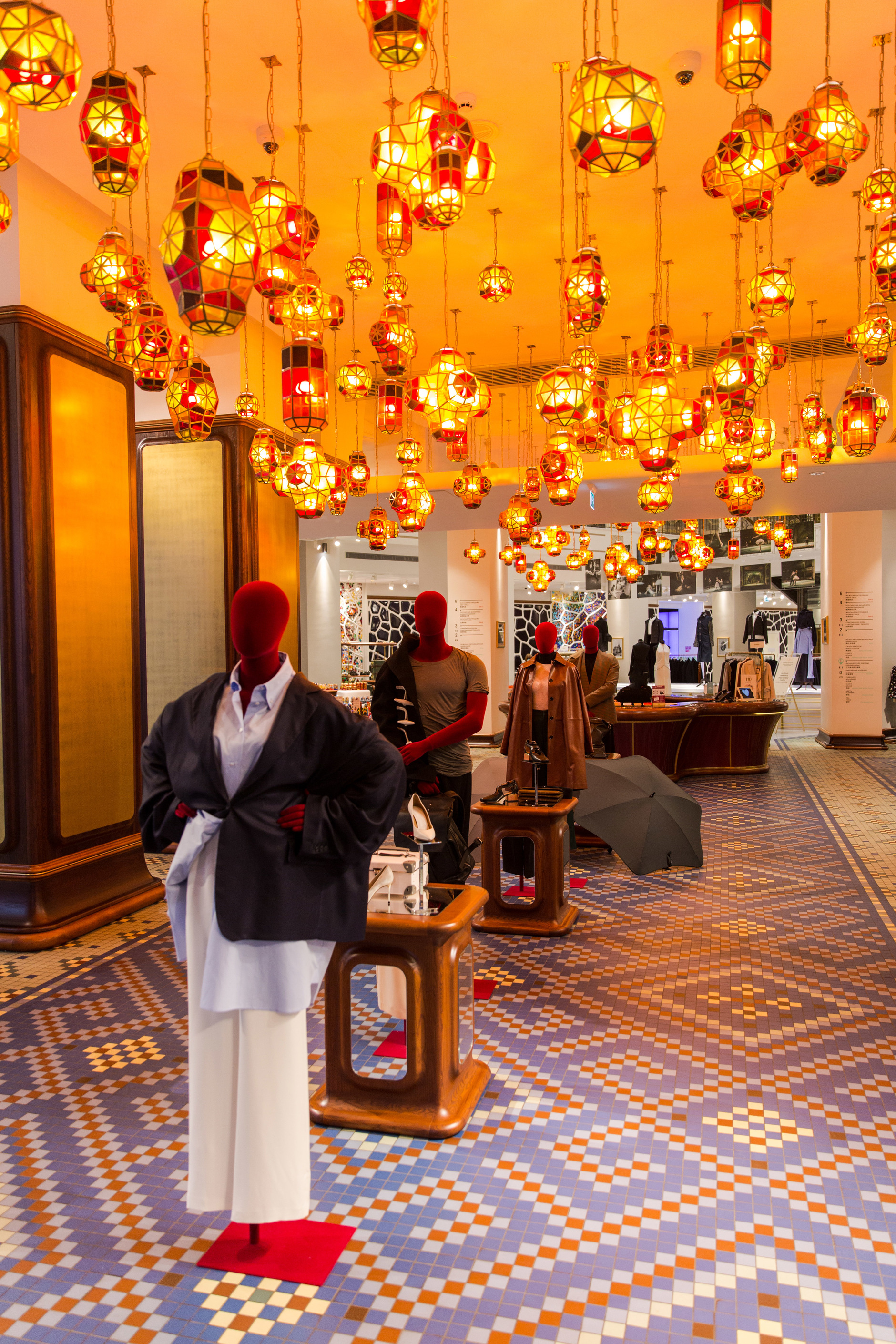 Как выглядят пространства успешных fashion-брендов (галерея 3, фото 1)
