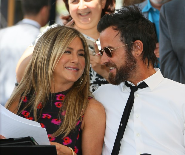 Семейный выход: Дженнифер Энистон и Джастин Теру в Голливуде