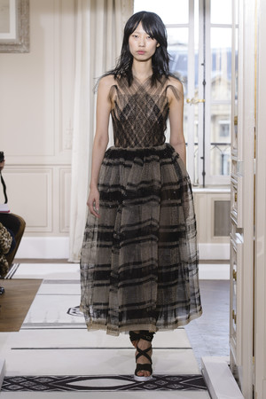 Показ Schiaparelli коллекции сезона Весна-лето 2018 года Haute couture - www.elle.ru - Подиум - фото 671401