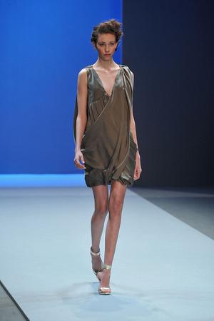 Показ Christophe Josse коллекции сезона Весна-лето 2010 года haute couture - www.elle.ru - Подиум - фото 137950