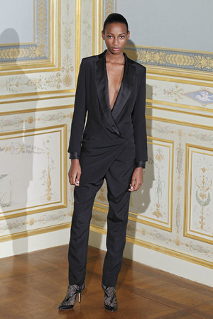 Показ Anne Valerie Hash коллекции сезона Осень-зима 2011-2012 года Haute couture - www.elle.ru - Подиум - фото 276948