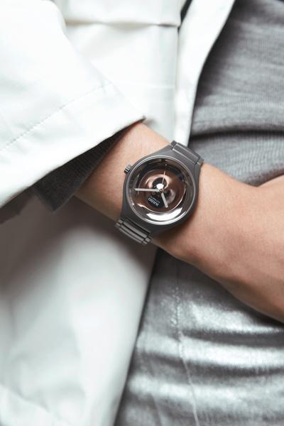 Дизайнеры создали шесть моделей часов из линии Rado True | галерея [5] фото [2]