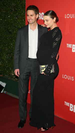 Фото дня: беременная Миранда Керр и Эван Шпигель в Лос-Анджелесе (фото 2)